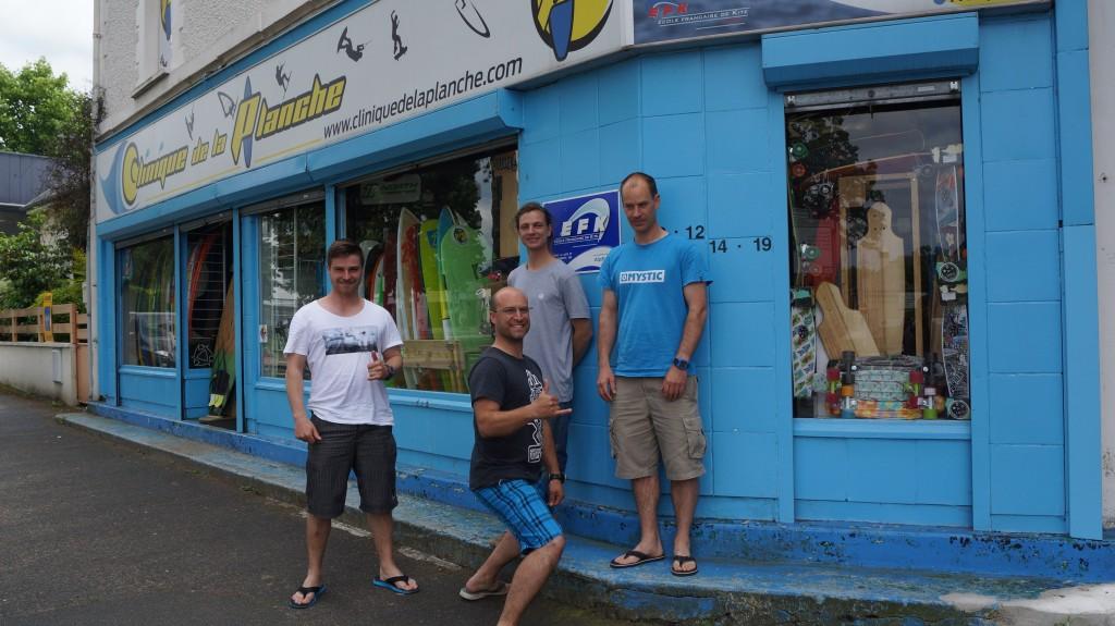 ecole de kite normandie clinique de la planche equipe de 4 moniteur de kite TEDDY BENJAMIN LOUIS et PIERRE